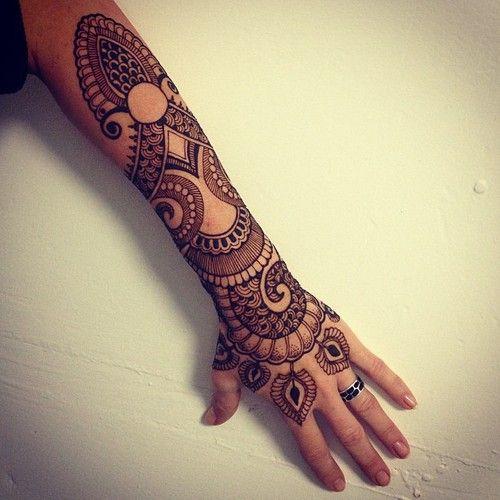 instagram: anoushka_irukandji
