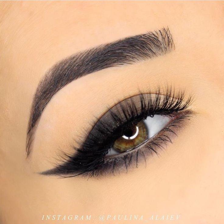 Gradient Cat Eye Makeup Tutorial