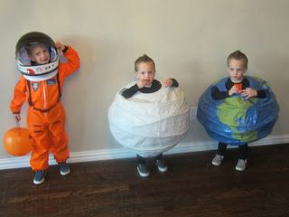 Planet Costumes from paper lanterns - clever!! #Halloween #BookWeek #DIY #kids