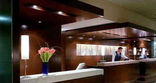 Calgary airport hotels - Calgary International Airport hotels - Delta Calgary Airport