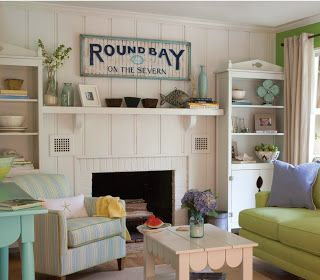 Funky Art Queen: Vintage Beach Decor  Love the casual comfy feeling of this room!?!?