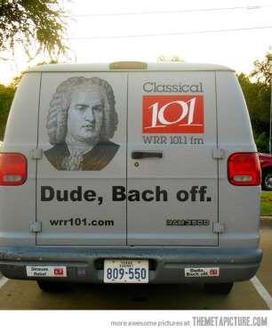 Une station de radio de musique classique a choisi ce calembour en hommage au compositeur Jean-Sébas... - Photo Pinterest
