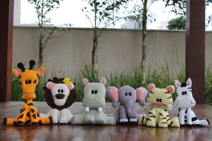 #Animais de #feltro, desenho exclusivo, para #decoração tema #safari. Ficam em pé sozinhos. #hipopótamo #leão #girafa #elefante #tigre #zebra #hippo #lion #elephant #giraffe #tiger