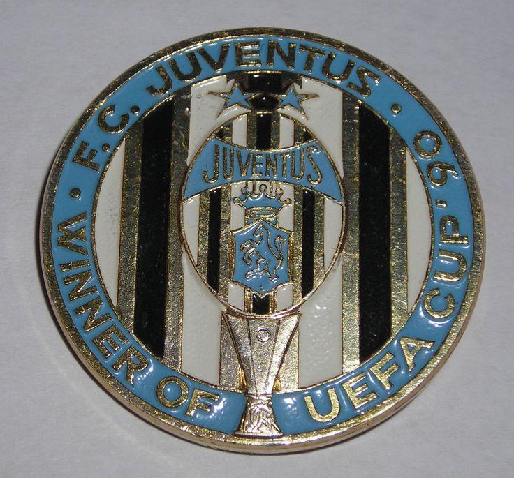 DISTINTIVO JUVENTUS CALCIO COPPA UEFA 1990 ATTACCO SPILLA DA BALIA (diam. 34 mm)