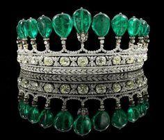 Tiara de esmeraldas colombianas y diamantes perteneciente a la colección privada de la condesa de Romanones