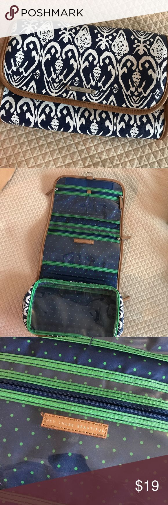 Best 25 hanging travel organizer ideas on pinterest car for Stella and dot jewelry wholesale