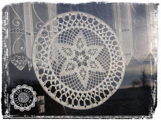 Robi Gabcia Na Szydełku: Przedświąteczne przygotowania #RobiGabciaNaSzydełku  #crochet #crochetdoily #szydełko #szydełkowa osdobanaokno