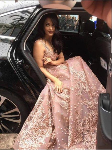 Aishwarya Rai Bachchan Shines at Cannes 2016! - Eventznu.com - The fashion and beauty blog