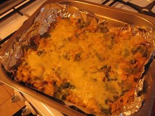 Makaron z serem (mac and cheese) ~ Kurczak w cieście na ostro
