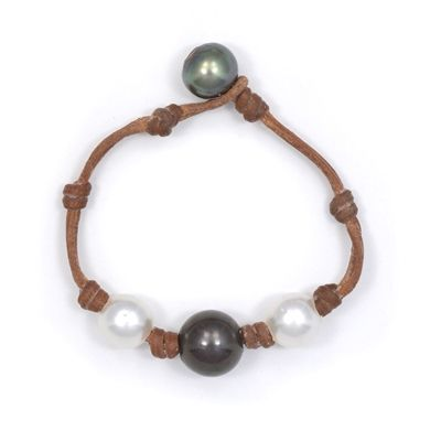Wendy Mignot Fine Pearls and Leather Jewelry the authentic world renowned brand defining Gypset Style and Bohemium Chic presents the Three Pearl South Sea White , Tahitian Bracelet from the Fusion Collection. Discover Wendy Mignot Designs in the eBoutique
