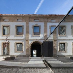 Renovated Baroque museum in Portugal  features a mirror-clad ticket office