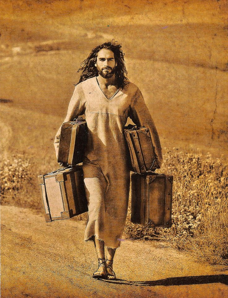 ❥ Your baggage isn't too heavy for Jesus.... cast your care on Him! Underneath you are His everlasting arms....
