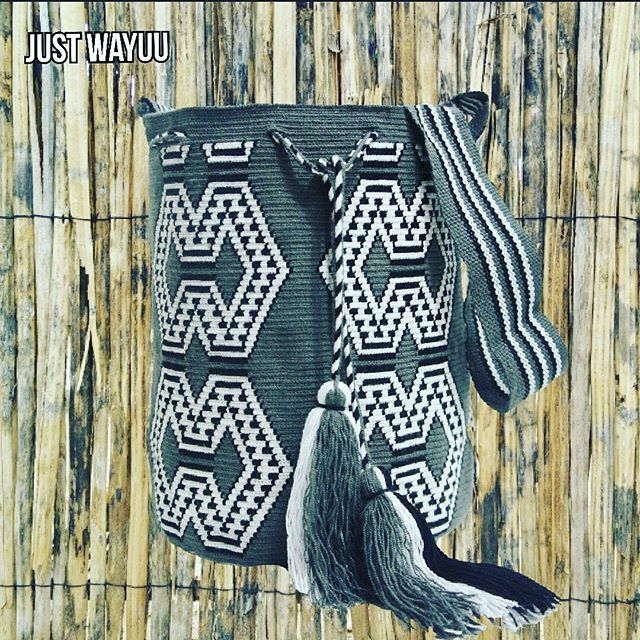 Handcrafted handbags made by indigenous wayuu in the north of Colombia. Worldwide shipping – envíos mundiales – PayPal WA +57 3188430452 #seoul #ootd #mochilas #wayuu #handmade #boho #hippie #bohemian #trendy #fashinista #australia #miami #españa #madrid #barcelona #paris #london #australia #italy #summer #Netherlands #shopping #handcrafted #fashion #style #france #newyotk #Japan #california #miami #dubai #newyork