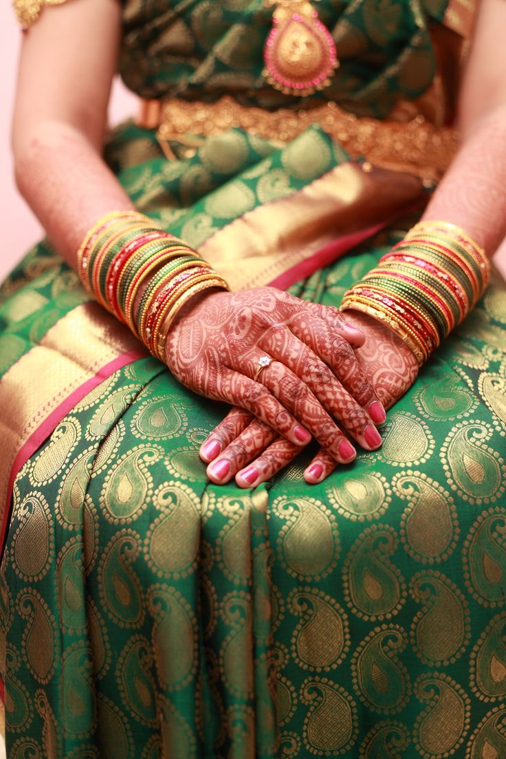 India's Colors - Green is the saree color of choice for weddings in Maharashtra!