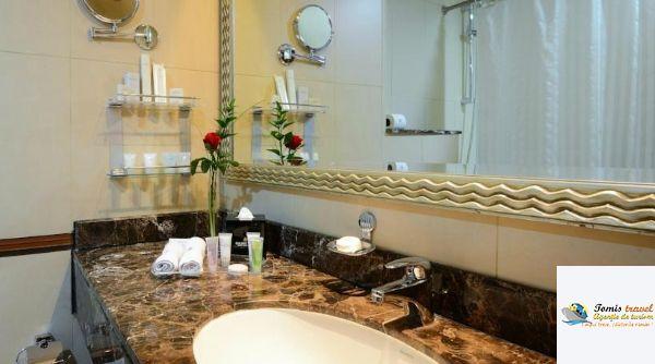Hotel Golden Tulip Al Barsha Mic dejun/Demipensiune, Dubai, UAE