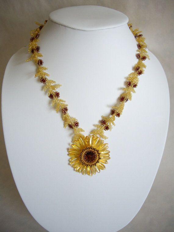Daisy necklace Topaz daisy necklace Seed bead by MisakoBeads, £33.00