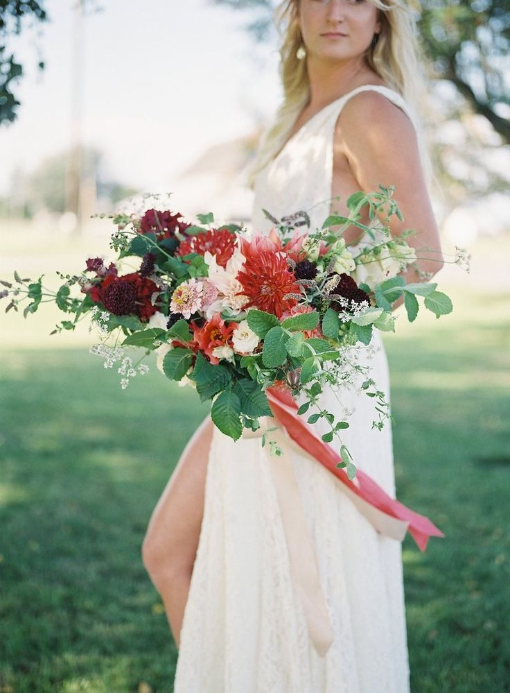 Cool Summer Robbins Flowers is Bend Oregon us bespoke floral design studio that creates thoughtfully designed floral arrangements for weddings and events