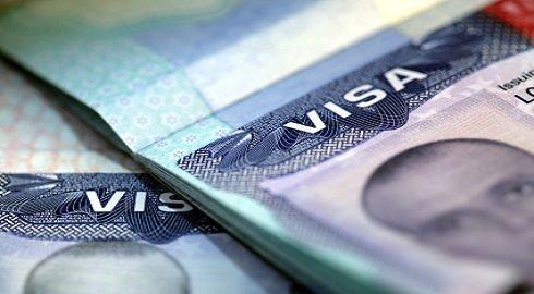 Propuesta de revisión de visas estudiantiles tras el reciente atentado en Boston, EE.UU.