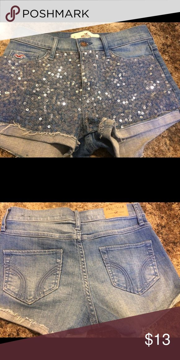 """Hollister Sparkle shorts Size 0. W 24. L 9.5"""". Inseam 1.5"""". I never wore them. They are in great condition. Hollister Shorts Jean Shorts"""