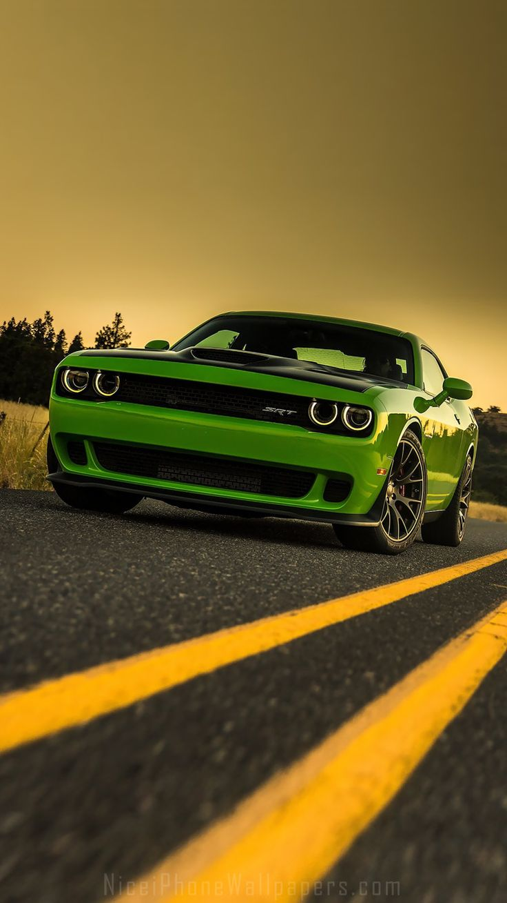 Photo dodge challenger srt with the hemi hellcat engine in the album stock photos by