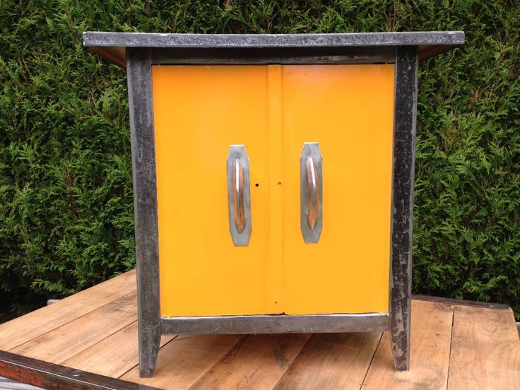 meuble bas m tal orange vintage je like pinterest. Black Bedroom Furniture Sets. Home Design Ideas