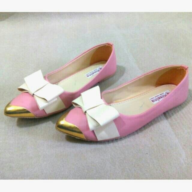 Sepatu balet pita cu Harga Rp. 39.000  Order via bbm : 5B42EB88  Whatsapp : 081290762555