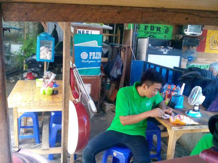 Front yards sedia soto ayam, mie ayam, iga panggang, ayam penyet, ayam bakar, sup iga, food delivery, terima pesanan