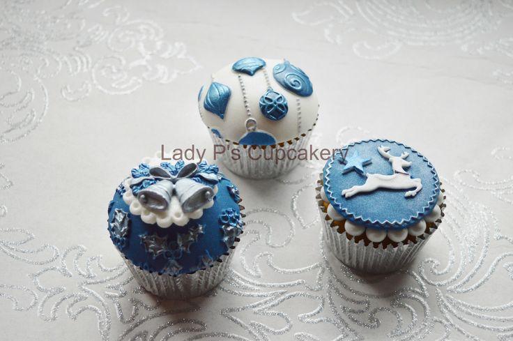 Blue & SIlver Christmas Cupcakes!