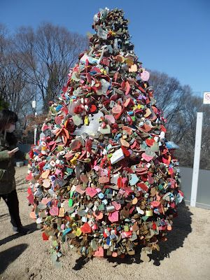 Pohon Gembok Cinta