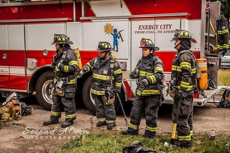 FEATURED POST   @second.alarm.fire.photography - . . TAG A FRIEND! http://ift.tt/2aftxS9 . Facebook- chiefmiller1 Periscope -chief_miller Tumbr- chief-miller Twitter - chief_miller YouTube- chief miller  Use #chiefmiller in your post! .  #firetruck #firedepartment #fireman #firefighters #ems #kcco  #flashover #firefighting #paramedic #firehouse #firstresponders #firedept  #feuerwehr #crossfit  #brandweer #pompier #medic #firerescue  #ambulance #emergency #bomberos #Feuerwehrmann…