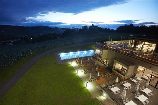 Top 10 honeymoons off the beaten track_Austrian wine country