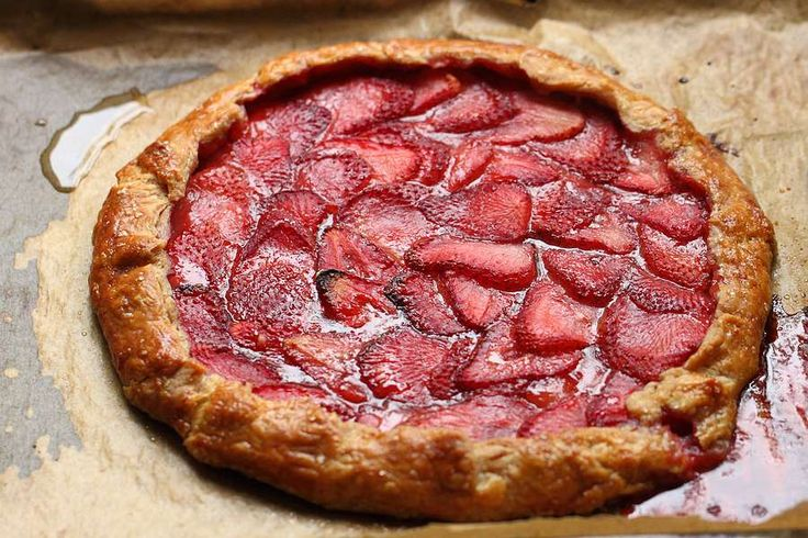 strawberry galette | Food & Drink | Pinterest