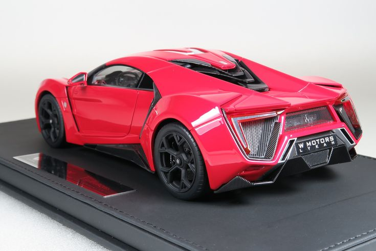 Top Marques Collectibles Lykan Hypersport, 1:18 red TOP30AS