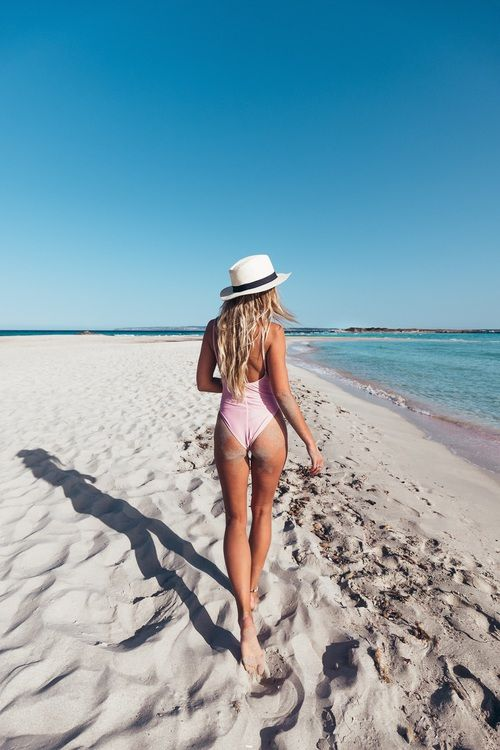 Light pink one piece swimsuit + fedora | Summer Vibes Fashion and Photography //…