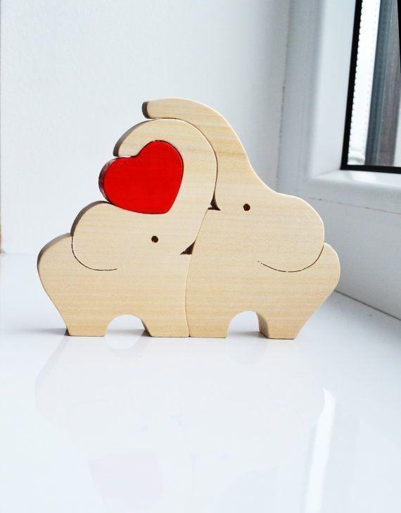 Hölzerne liebe Elefanten Puzzle Spielzeug von LadyEvaDESIGN