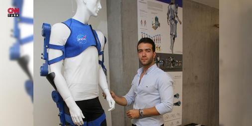 Mehmet Ergül'ün astronotlar için egzersiz kıyafetine ödül: İzmir Ekonomi Üniversitesi (İEÜ) Güzel Sanatlar ve Tasarım Fakültesi Endüstriyel Tasarım Bölümünden mezun olan Mehmet Ergül'ün bitirme tezi olarak hazırladığı  astronotlar için egzersiz kıyafeti , 2017 A'Design yarışmasında altın ödüle layık görüldü.