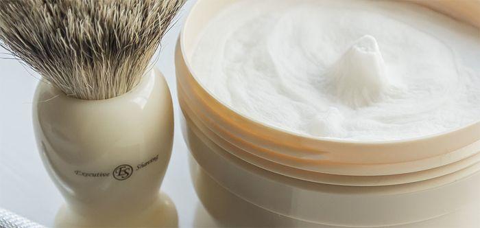 Crème Rasage Classique #classique #lifestyle #homme #masculin #rasoirdesécurité #merkur #traditionnel