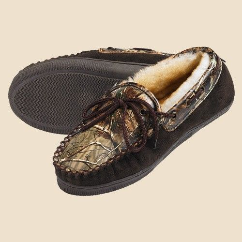 Men's Camo Leather House Shoes. Aaaaaahhhhhhh. The perfect gift for him!