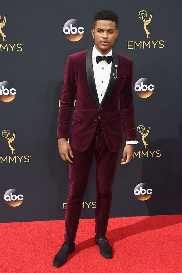 <p>Looking like royalty at the 68th Annual Primetime Emmy Awards 2016 [Photo: Getty] </p>
