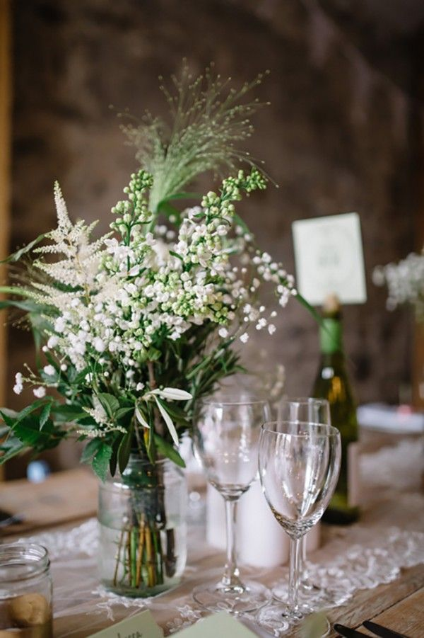 Rustic baby's breath centerpiece | Chris Copeland Photography
