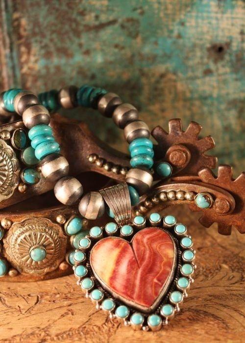 I love Southwestern style jewelry because you can wear it everywhere... and it fits right in.