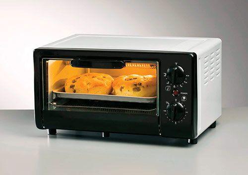 El horno eléctrico es un buen aliado en la cocina, en ocasiones no le damos la importancia a este pequeño electrodoméstico y empleamos más el horno de microondas o el horno convencional, pero...