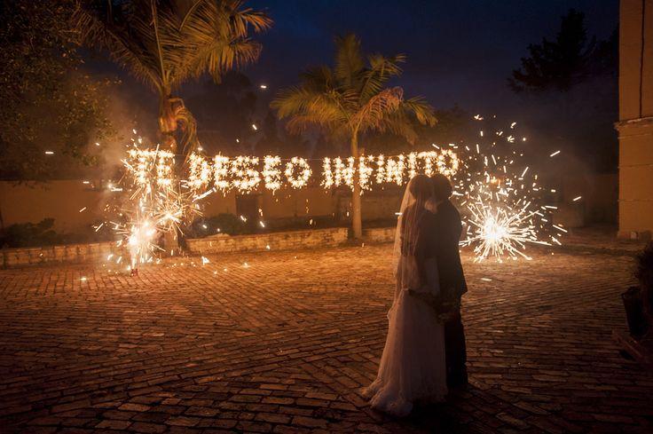 Juan Felipe Rubio © efeunodos, Fotografía de matrimonios-bodas / fotografía bodas Colombia/ fotógrafos de matrimonio Colombia www.efeunodos.com Cartagena, Medellín, Bogotá, Cali. Wedding photojournalism in Colombia. www.facebook.com/efeunodos,