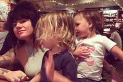 Ich halte mich nicht für eine gute Mutter, gesteht die Bloggerin Constance Hall. Dafür sei sie zu genervt von ihren Kindern. Doch eine Therapeutin erklärt ihr, dass das ein gutes Zeichen ist.