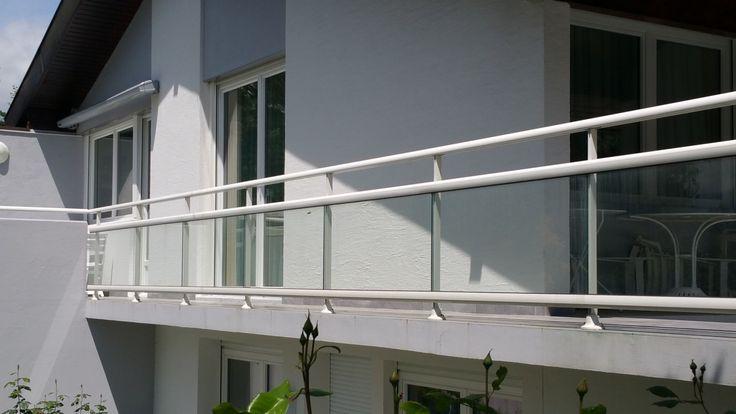 Garde corps barriere terrasse aluminium verre avec vide sous la main courante
