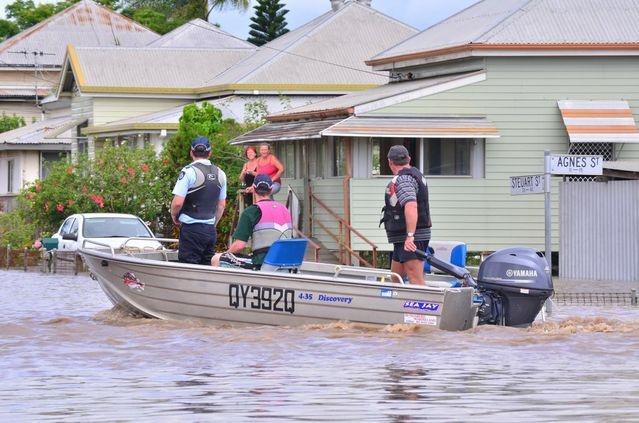Mass evacuation in Bundaberg   Widebay Burnett, Bundaberg Floods & Tornadoes January 2013
