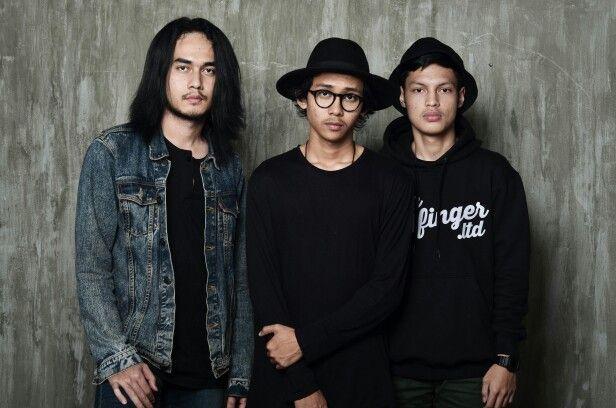 Artifact band indonesia