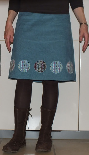 to do with little scraps - appliques on skirt hem