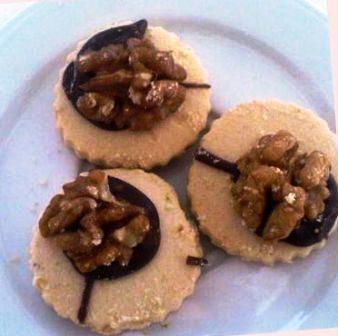çukulatalı ve cevizli kurabiye
