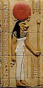 Sekhmet  est une puissance destructrice incarnant l'œil solaire et les forces dangereuses. Elle apparait sous les traits d'une déesse à tête de lionne portant le soleil. A Memphis elle est associée à Ptah, et Nefertoum à Thèbes elle s'assimile à Mout en tant que déesse guérisseuse. De sa bouche de lionne sortent les vents du désert.Déesse guerrière personnifiant les ravages du soleil. Elle est l'intrument de la vengeance de Rê contre l'insurection des hommes.